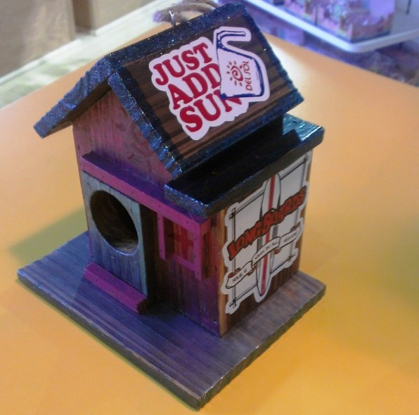 del sol seaside oregon birdhouse changes color in the sun
