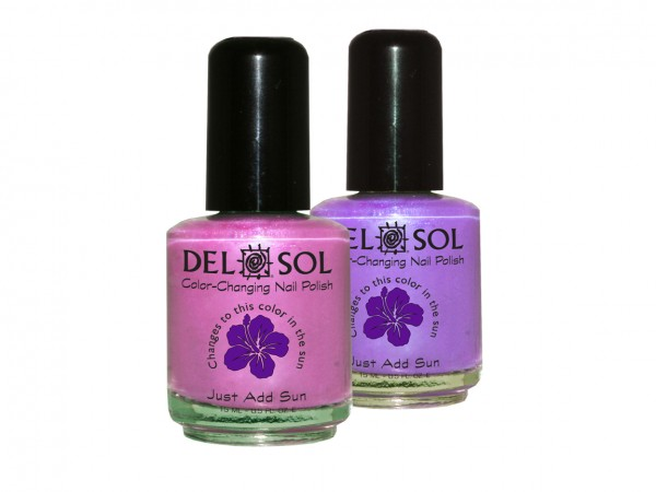 color-changing foxy nail polish by del sol