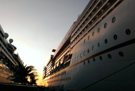 cruise-ship-palms-cruise-check-in