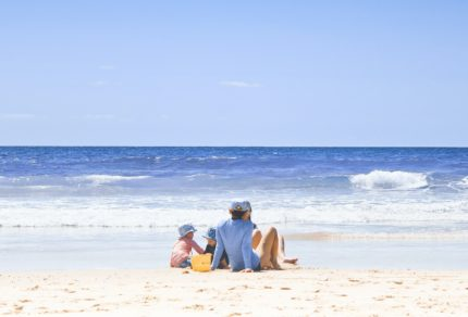 beach-family-sunscreen-safety